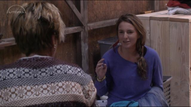 LauraB spreekt Tineke aan op haar gedrag