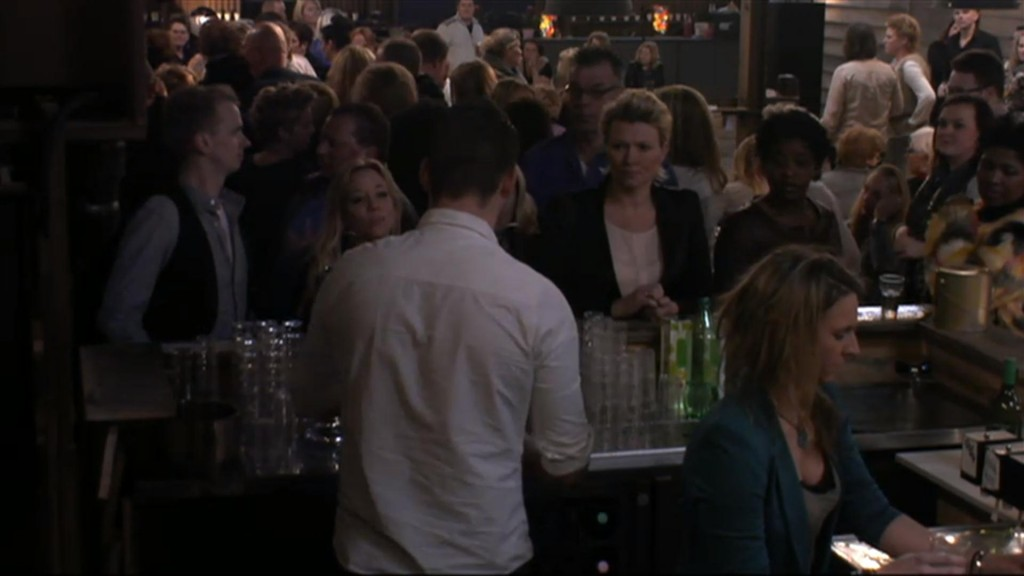 Drukte bij de bar