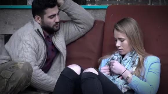 Ivan en Naomi in gesprek omdat ze weinig doet