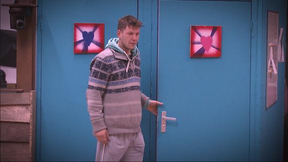 Tineke is boos op Chris