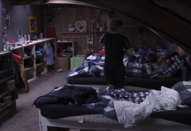 Tineke dook in het bed van Wilco en Colinda