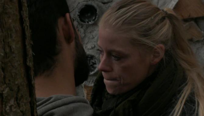 Ivan en Nicole in gesprek met elkaar