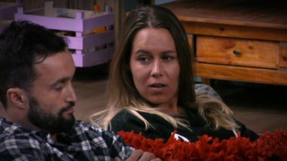 Laura waarschuwt Mark voor Wilco