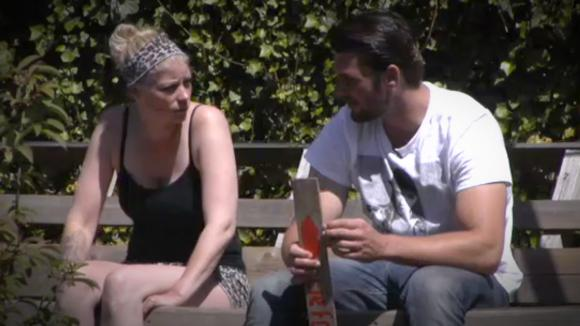 Joey draagt Utopia Ink over aan Nicole