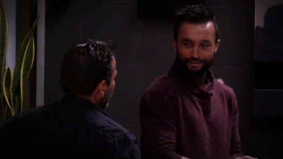 Wilco hoort Mark uit over Gina