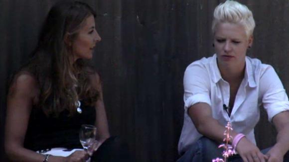 Stefanie praat met Dido over Rob