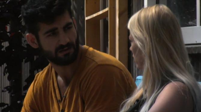 Nicole is het gedrag van Ivan zat