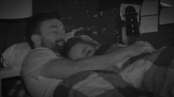 Mark en Gina hebben de nacht samen doorgebracht
