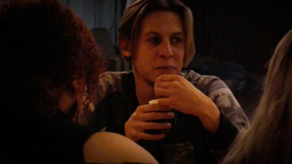 Nicole en Bas gaan een Live in de loods doen?