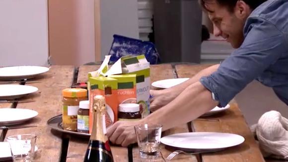 Ontbijt met champagne en verjaardagspost voor Gert-Jan