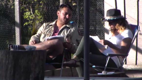 Jessie met Gina in gesprek over zijn financiële plan