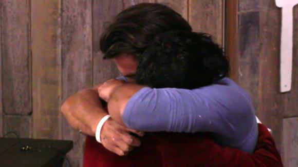 Cemal ontmoet zijn broer voor het eerst in zijn leven