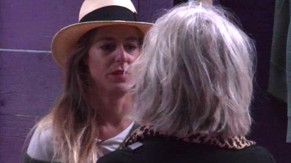 Billy heeft een goed gesprek met haar moeder over Ruud en Jessie