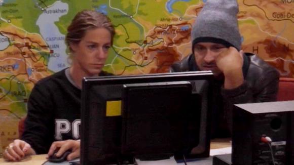 Billy verzwijgt tegenover Jessie dat ze Ruud helpt met een kledinglijn