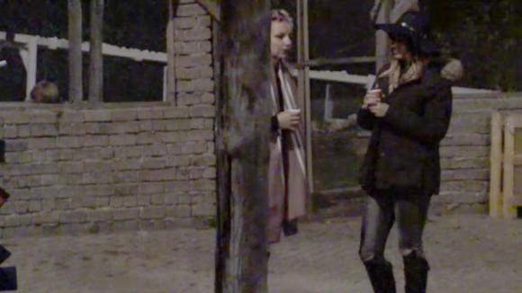Gina en Victoria storen zich aan de mentaliteit van Ruud