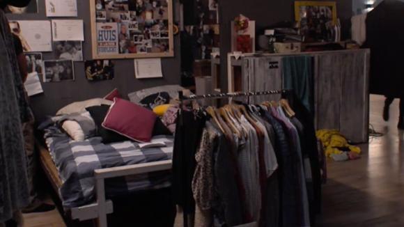 Romy is het gedoe in de groene slaapkamer zat