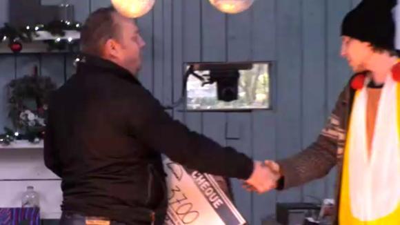 Bas en Boyd halen 3700 euro op met hun actie