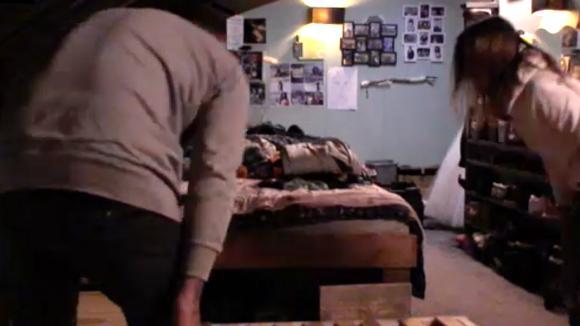 Billy en Boyd hadden onenigheid over een bed