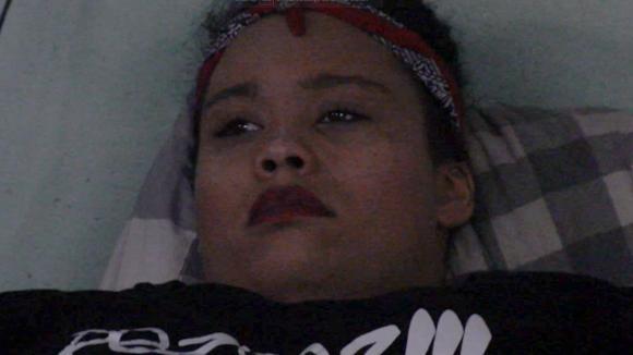 Ramona in tranen door eerdere roast van Boyd