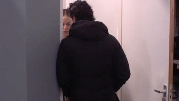 Billy vermoed dat ze zwanger is?!