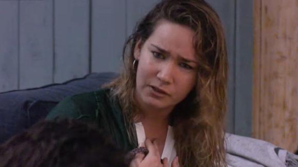 Gina en Billy hebben ruzie tijdens de ondernemers vergadering