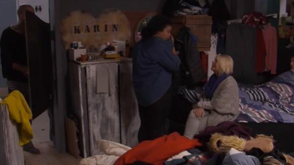 Ramona verdrietig omdat ze geen geld van Bas kreeg
