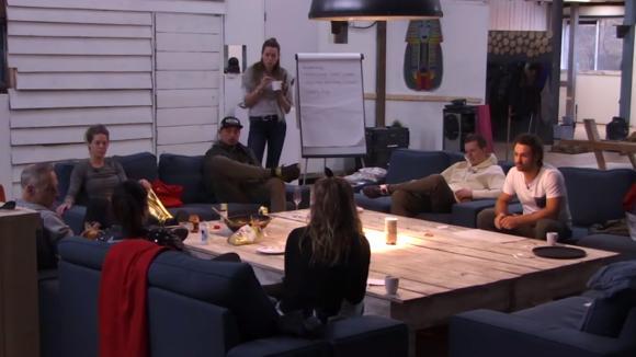 De ondernemers groep doet een brainstorm sessie