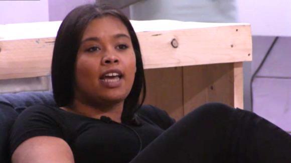 Ramona deelt de ondernemers mede dat ze het concurreren zat is