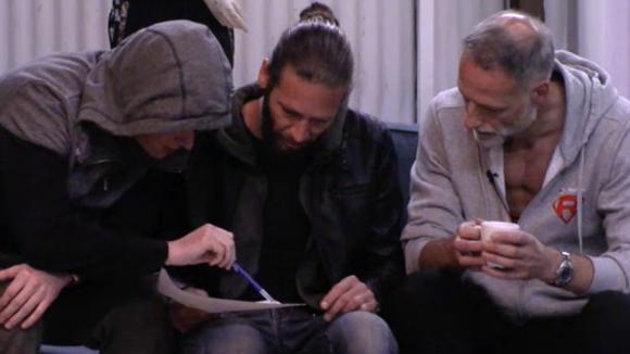 René, Rob en Jeroen bespreken de opties voor een nieuwe structuur