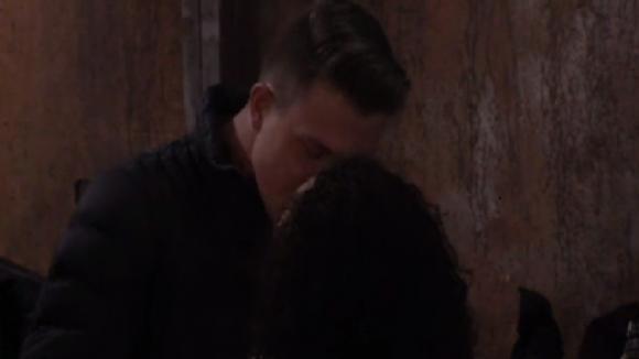 Jacco steekt Ramona een hart onder de riem