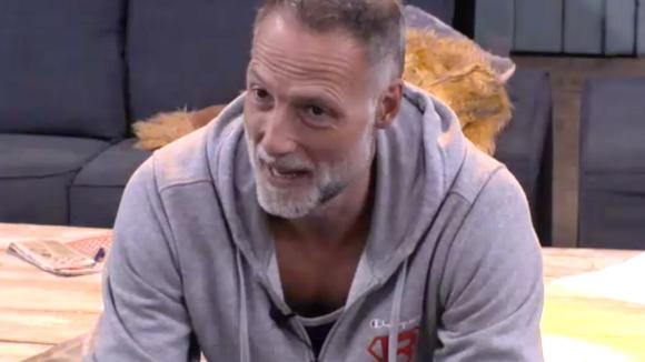 Rob is bang dat hij veel stemmen krijgt tijdens de nominatieronde