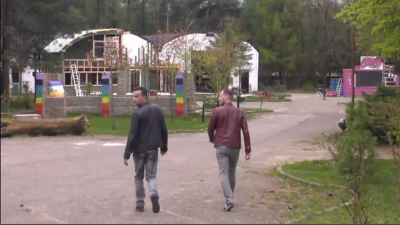 Jasper en Ronnie komen langs in Utopia om over homo acceptatie te praten