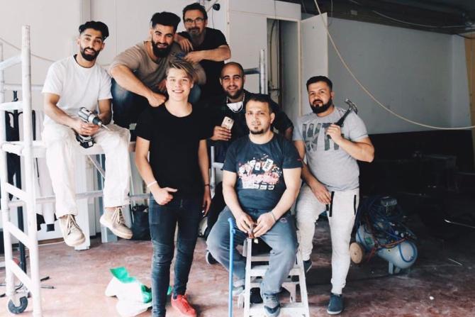 Oud Utopia bewoner Ivan opent een barbershop