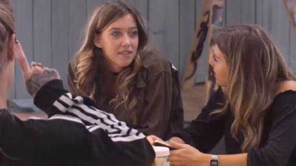 Demi, Fay en Romy willen niet over hun seksleven praten