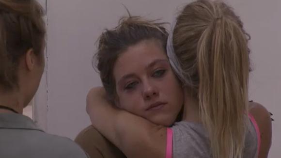 Demi barst in huilen uit na het centraal
