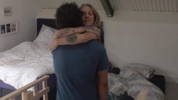 Jessie schenkt het penthouse aan Billy