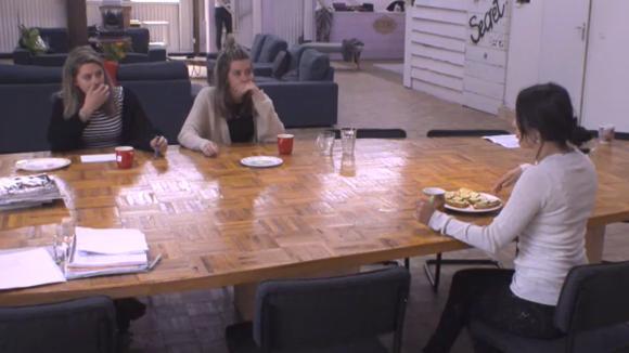 Madilia en Fay spreken hun irritaties uit