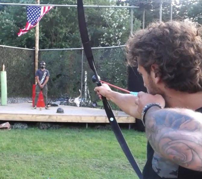 Wil jij op een bewoner uit Utopia schieten met pijl en boog?