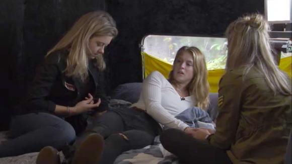 Romy, Fay en Demi zijn weer vriendinnen