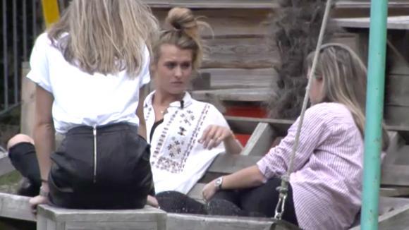 Fay en Demi twijfelen over hun samenwerking met Romy
