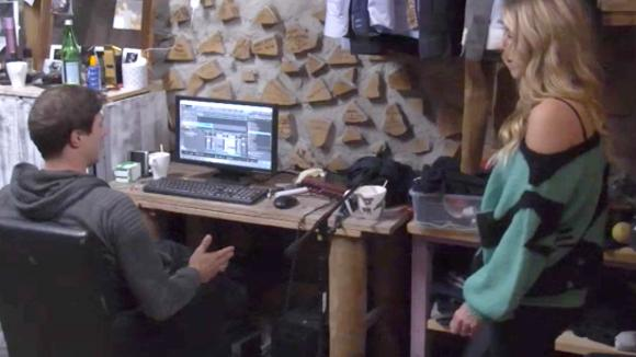 Cemal en Johan maken een rap over alle chaos van vanmiddag