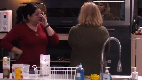 Linda is boos op Beau door de indeling voor de Utopia markt
