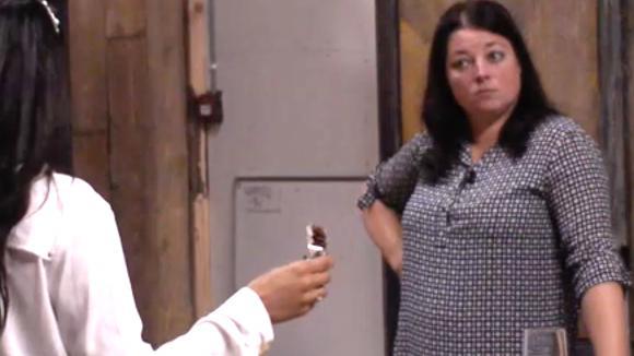 Linda is niet blij met de uitkomst van het centraal