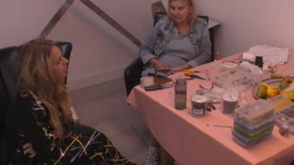Billy, Madilia, Linda en José sluiten een complot voor de volgende stemronde