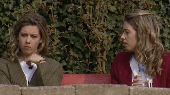 Demi en Fay vinden dat er heisa gemaakt wordt om niets