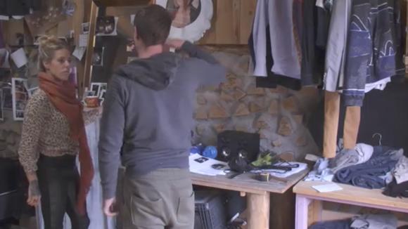 Johan is klaar met het verwaande gedrag van Demi en Fay
