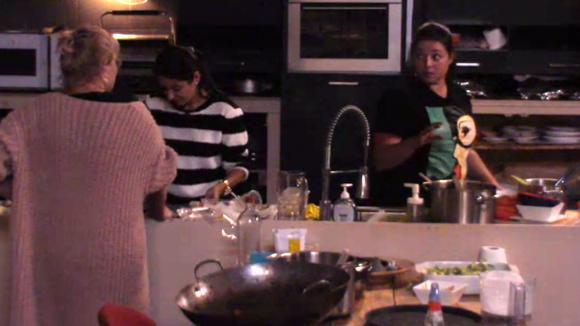 José, Linda en Madilia klagen over de niet dansers