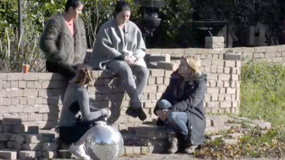 Beau, José, Linda en Madilia willen dat Chipp het goed maakt met René