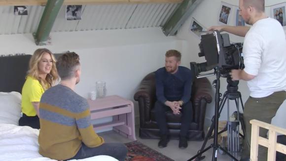 Shownieuws komt langs in Utopia voor een interview met Billy.