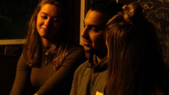 Potentiële bewoner Mel vindt Demi de knapste vrouw van Utopia